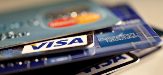 Spar penger og sikre økonomien din ved å bruke kredittkort